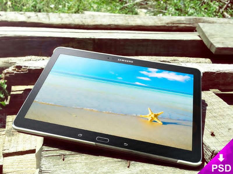 Black Samsung Galaxy Tab 5 Wood Mockup