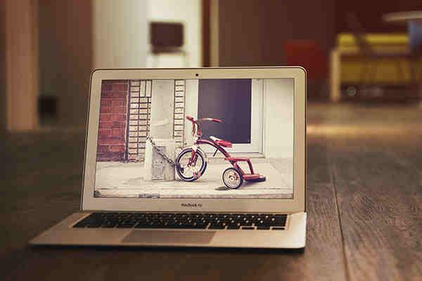 Realistic MacBook Air Mockup #2